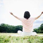 自然の中で瞑想の写真